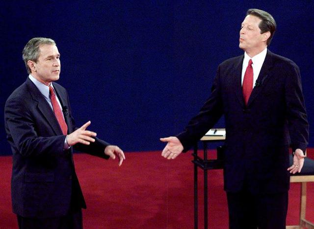 Những màn đấu khẩu trong tranh luận Tổng thống Mỹ - Ảnh 7.
