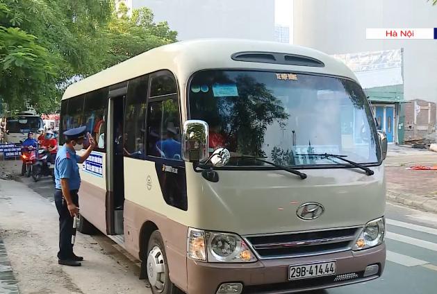 Xe đưa đón học sinh sẽ bị tạm đình chỉ nếu không đủ điều kiện an toàn - Ảnh 1.
