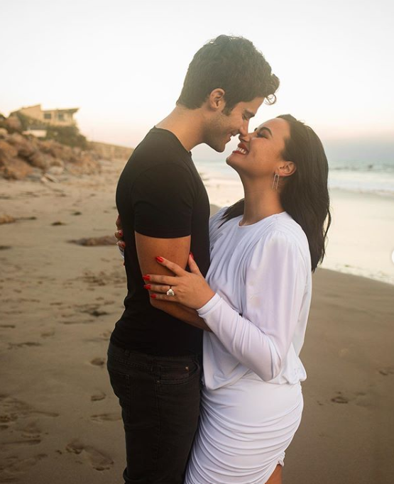 Demi Lovato không muốn liên lạc với hôn phu cũ - Ảnh 1.