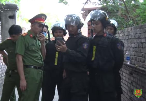 Khởi tố vụ án hình sự cha ruột bạo hành con đẻ tại Bắc Ninh - Ảnh 1.
