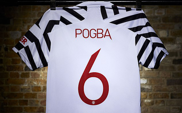 Cận cảnh áo đấu phong cách ngựa vằn của Man Utd - Ảnh 9.