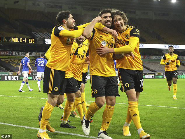 Wolverhampton 1-2 Everton: Đánh chiếm vị trí thứ 4 - Ảnh 2.