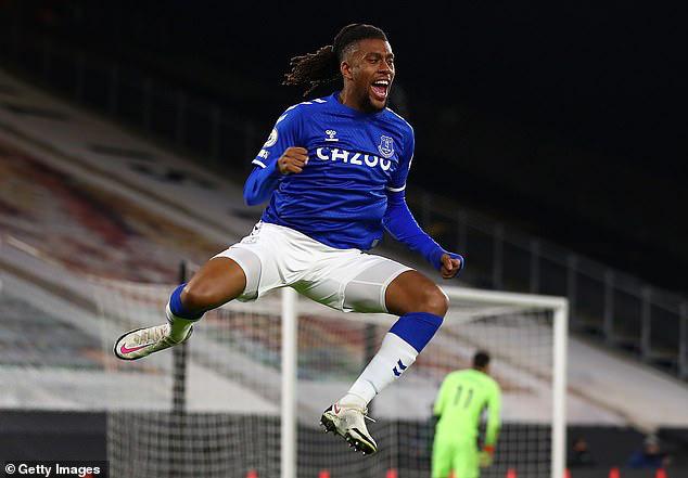 Wolverhampton 1-2 Everton: Đánh chiếm vị trí thứ 4 - Ảnh 1.