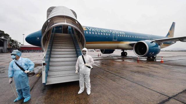 Dừng cấp phép chuyến bay từ Anh, Nam Phi về Việt Nam - ảnh 1