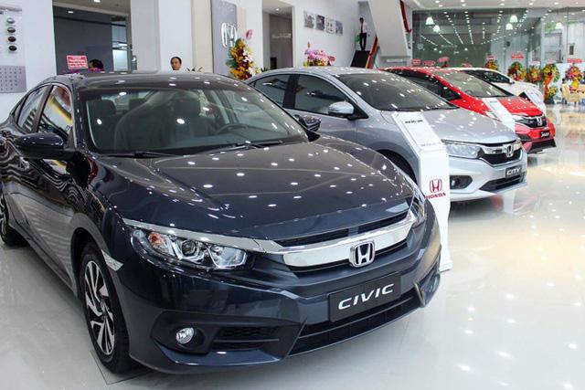 Dừng hỗ trợ phí trước bạ, thị trường ô tô Việt sẽ ra sao trong năm COVID-19 thứ 2? - ảnh 1