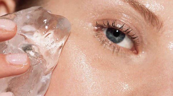 7 công dụng làm đẹp da tuyệt vời của đá lạnh - ảnh 5