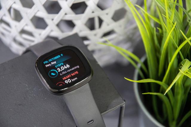 Google hoàn tất thương vụ mua Fitbit với giá 2,1 tỷ USD - Ảnh 1.