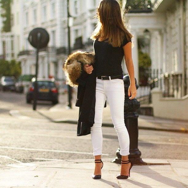 Muôn kiểu biến hóa thời trang chỉ với quần jeans trắng - ảnh 7