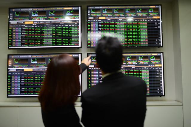 Chứng khoán năm 2021: Cẩn trọng trước biến động lãi suất - Ảnh 1.