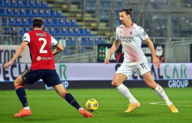 Ibrahimovic lập cú đúp, AC Milan củng cố ngôi đầu Serie A - Ảnh 2.