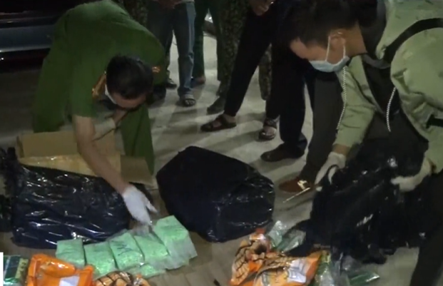 Triệt phá đường dây ma túy lớn từ Campuchia vào Việt Nam - Ảnh 1.