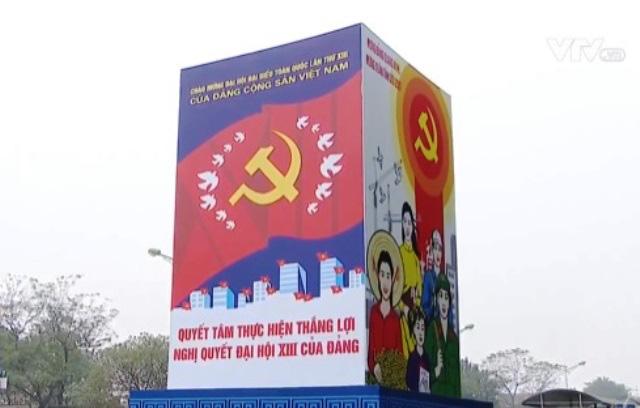 Người dân Thủ đô Hà Nội cùng hướng về Đại hội Đảng lần thứ XIII - Ảnh 2.