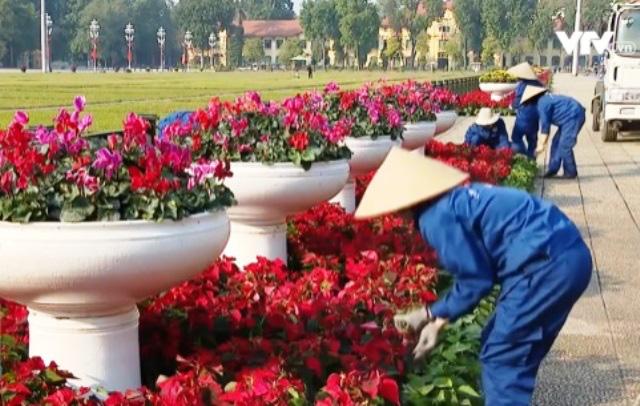 Người dân Thủ đô Hà Nội cùng hướng về Đại hội Đảng lần thứ XIII - Ảnh 3.