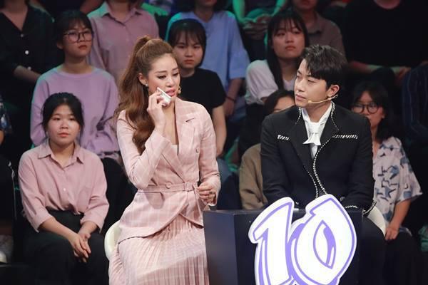 Hoa hậu Khánh Vân bày tỏ tình cảm đặc biệt dành cho MC Lại Văn Sâm - Ảnh 2.