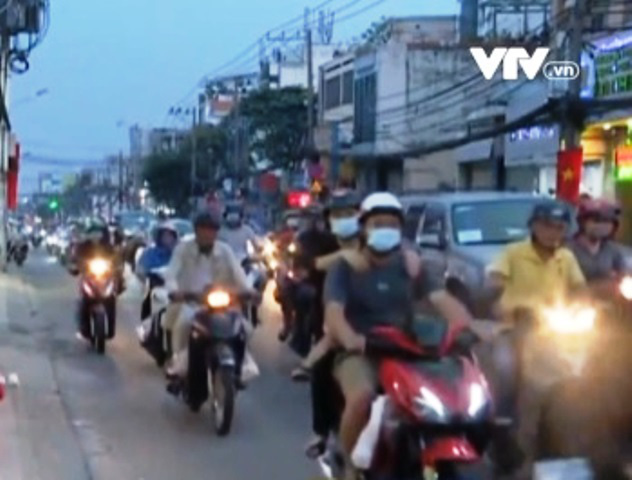 Đường Trường Chinh (TP Hồ Chí Minh) ùn tắc giờ tan tầm - Ảnh 1.