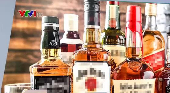 Rượu giả, rượu lậu tràn ngập thị trường dịp cận Tết - Ảnh 1.