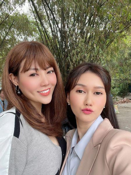 Lan Cave Thanh Hương sánh đôi cùng chị Mận Hương Giang trong phim mới - ảnh 4