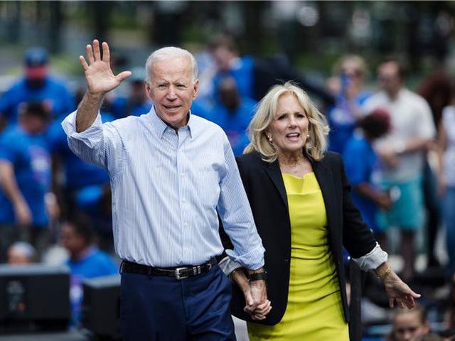 Ông Biden từ người nghèo nhất quốc hội trở thành triệu phú - Ảnh 1.