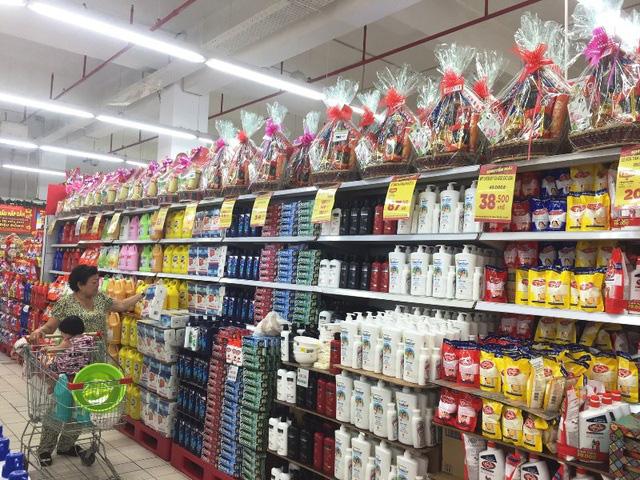 Thị trường quà Tết Tân Sửu 2021: Mẫu mã đa dạng, nhiều phân khúc giá - Ảnh 2.