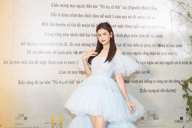 Những sao Việt mê mệt nơ cài tóc hack tuổi ngoạn mục - ảnh 4