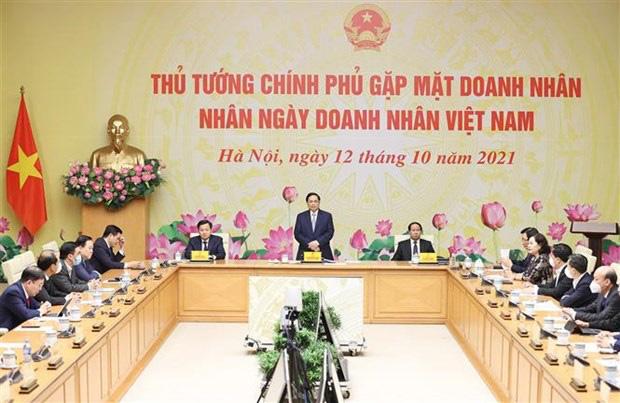 Prime Minister Pham Minh Chinh speaks at the meeting (Photo: VNA)