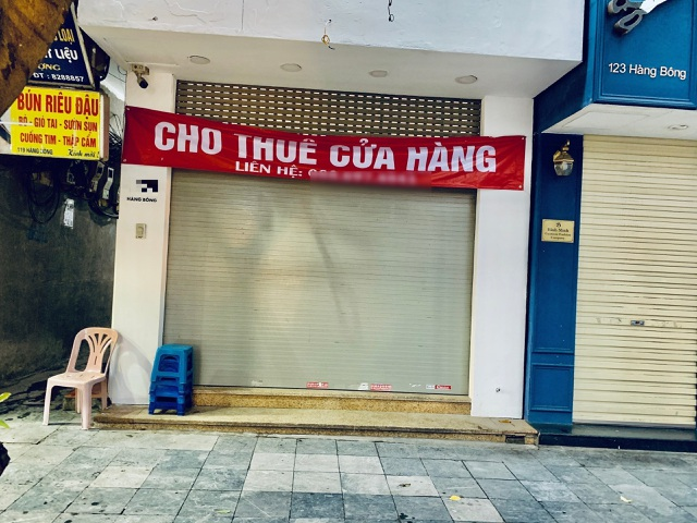 """""""Đất vàng"""" Hà Nội chằng chịt biển cho thuê, sang nhượng cửa hàng - ảnh 1"""