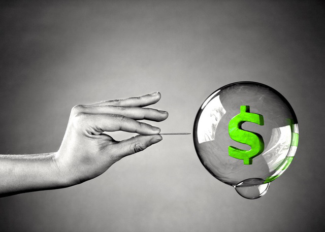 Cảnh báo hình thành bong bóng tài sản, thách thức kinh tế 2021 - Ảnh 1.