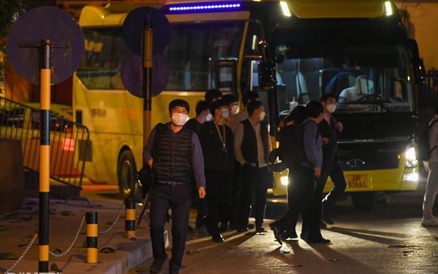 Hà Nội: Phong tỏa khách sạn ở Hồ Tây có người nước ngoài chết dương tính SARS-CoV2 - Ảnh 7.