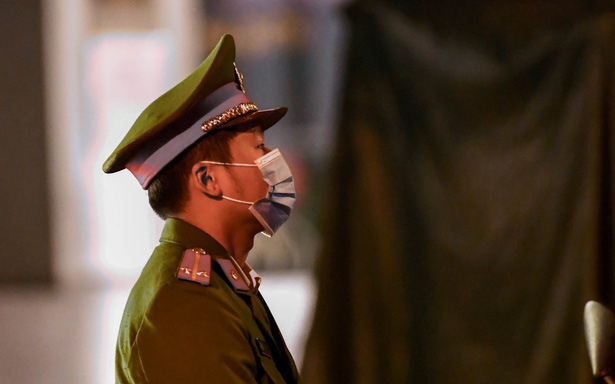 Hà Nội: Phong tỏa khách sạn ở Hồ Tây có người nước ngoài chết dương tính SARS-CoV2 - Ảnh 3.