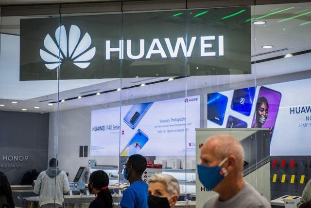 Vì sao Huawei vẫn chưa từ bỏ mảng smartphone? - Ảnh 1.