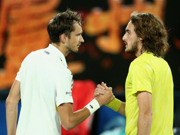 Đánh bại Tsitsipas, Medvedev gặp Djokovic ở chung kết Australia mở rộng 2021 - Ảnh 2.