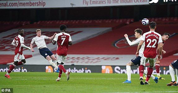 Arsenal 0-1 Man City: Sterling lập công, Man City thắng trận thứ 13 liên tiếp - Ảnh 4.
