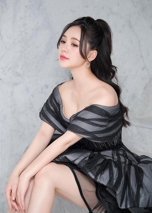 Nhan sắc Quỳnh Kool tuổi 26 - Ảnh 4.