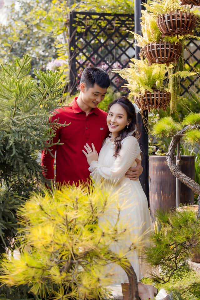 Bảo Thanh đăng ảnh kỷ niệm 12 năm tình yêu và chuẩn bị chào đón thành viên thứ 4 - Ảnh 1.