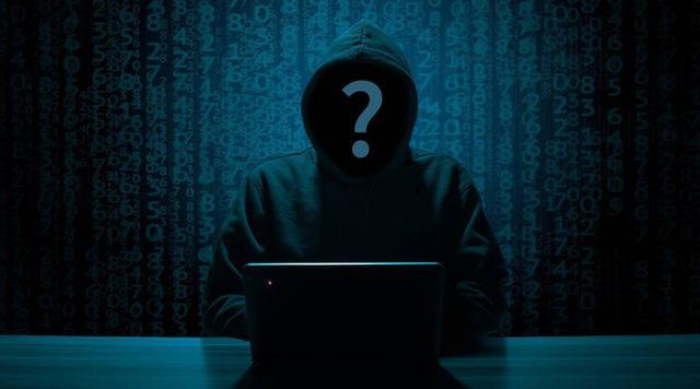 Học theo cách hack trên YouTube, cậu bé 11 tuổi… tống tiền cha mình - ảnh 1