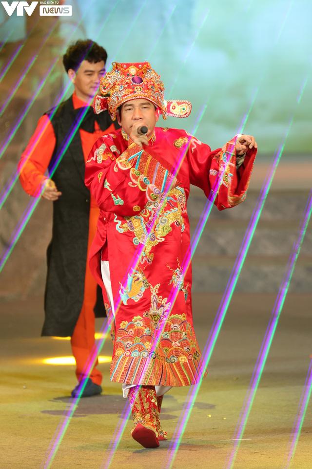 Hậu trường Quang Thắng cực sung tập rap chế Big Kinh tế boi - Ảnh 1.