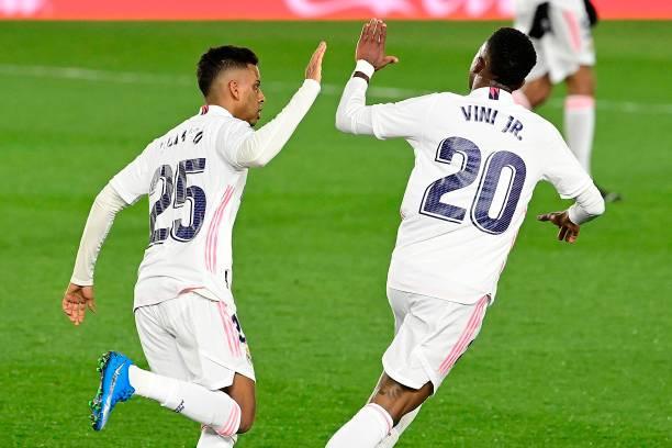 Real Madrid 1-1 Real Sociedad: 1 điểm nhọc nhằn của Real Madrid - Ảnh 2.