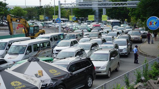Kiến nghị sớm khởi công dự án hơn 4.800 tỷ đồng tại cửa ngõ sân bay Tân Sơn Nhất - Ảnh 1.