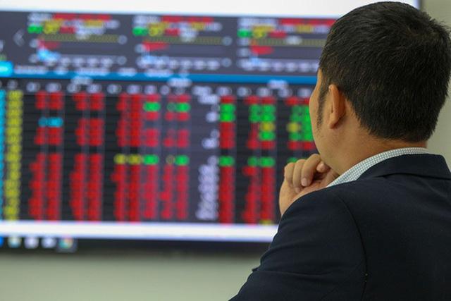 Bộ Tài chính chỉ đạo giảm lô giao dịch xuống 10 cổ phiếu - Ảnh 1.
