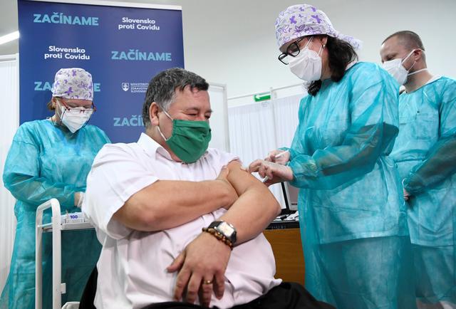 Bất mãn với chiến lược tập trung, nhiều nước EU rẽ lối để tiếp cận vaccine COVID-19 - Ảnh 3.