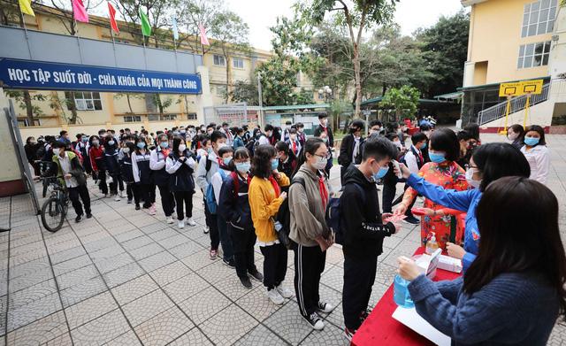 Hơn 98% học sinh Hà Nội trở lại trường, chưa ghi nhận biểu hiện bất thường liên quan COVID-19 - Ảnh 1.