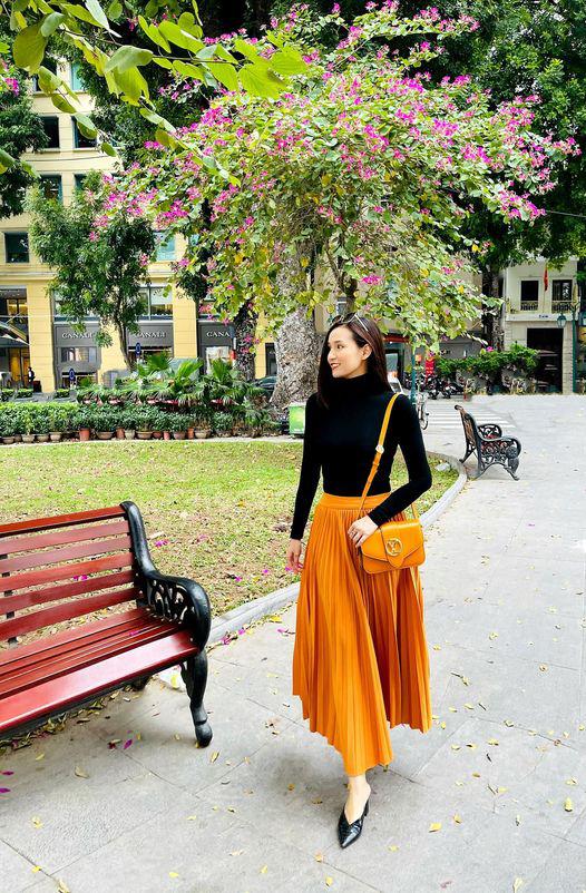 Lã Thanh Huyền đẹp hút hồn với gu thời trang cực sang chảnh - Ảnh 1.