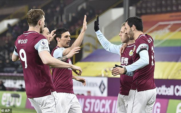 Burnley 1-1 Leicester City: Chia điểm kịch tính - Ảnh 1.