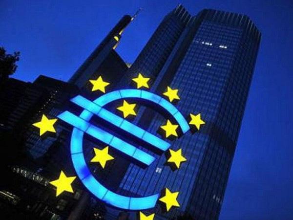 Kinh tế châu Âu đang bị trói chân - ảnh 2