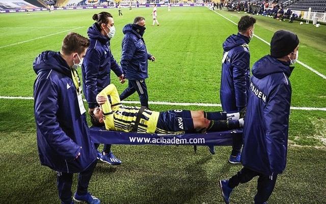 Ozil tiếp tục chấn thương tại đội bóng mới - Ảnh 2.