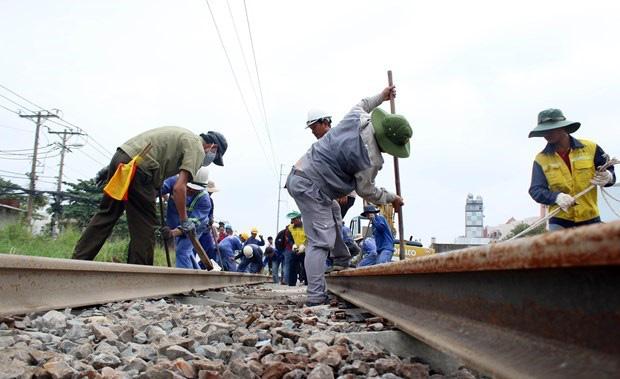 Bộ GTVT nói gì về việc không giao vốn bảo trì cho ngành đường sắt? - ảnh 1