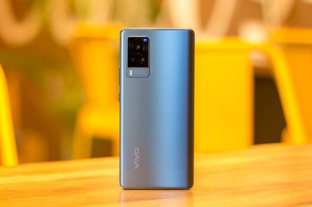 Loạt smartphone đáng chú ý vừa ra mắt tại Việt Nam - ảnh 1