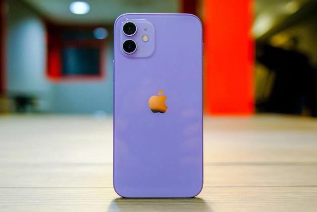 Cận cảnh chiếc iPhone 12 màu tím mà Apple vừa ra mắt - Ảnh 1.
