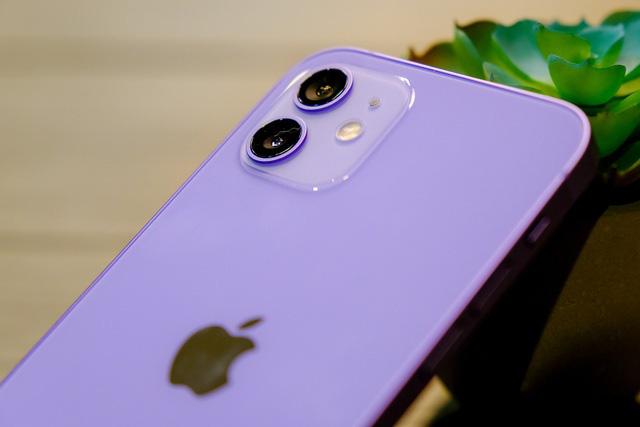 Cận cảnh chiếc iPhone 12 màu tím mà Apple vừa ra mắt - Ảnh 5.