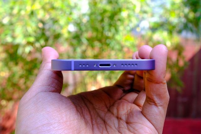 Cận cảnh chiếc iPhone 12 màu tím mà Apple vừa ra mắt - Ảnh 6.